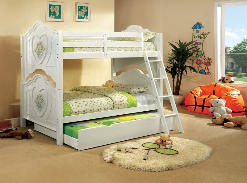 TWIN/TWIN BUNK BED FLOWER & HEART MOTIF.