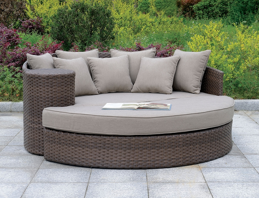 FURNITURE OF AMERICA, CALIO ROUND PATIO SOFA & OTTOMAN, CM-OS1844BR