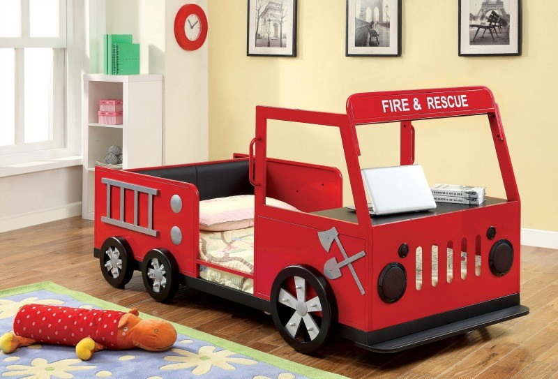 TWIN BED FIRE TRUCK DESIGN