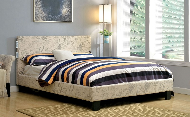 QUEEN BED WORLD TRAVELER  WITH BLUETOOTH