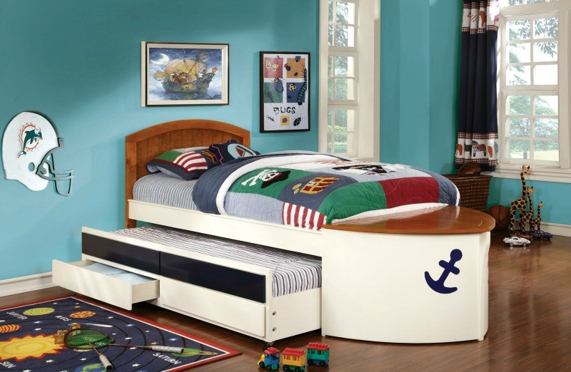 TWIN BED BOAT DESIGN